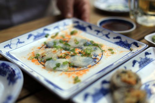 miyas-scallop-sashimi